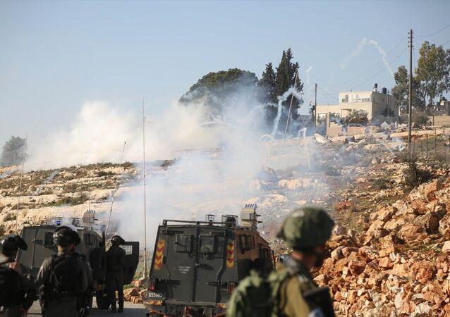 Batı Şeria'da İsrail askerleri göstericilere karşı plastik mermi kullandı
