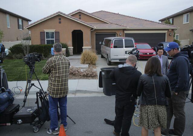 Kaliforniya'da 13  çocuğunu rehin tutan çiftin evi