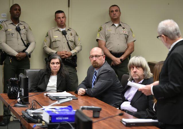David Turpin ve Louise Turpin mahkemede