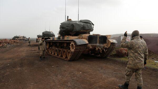 Türkiye-Suriye sınrında Türk tankları - Sputnik Türkiye