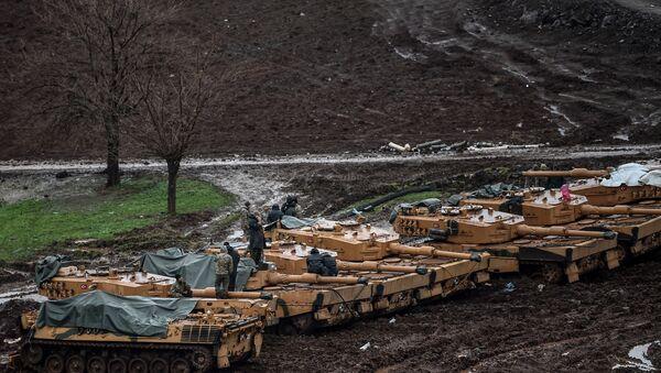 TSK Leopard 2A4 tankları Hatay Suriye sınırı - Sputnik Türkiye