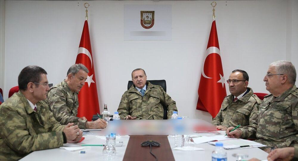 Erdoğan'dan harekat merkezine ziyaret