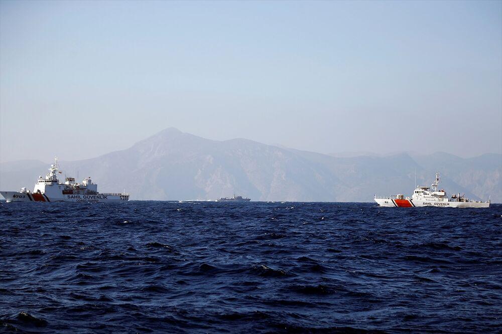 Yunanistan Savunma Bakanı Kardak'a yaklaştırılmadı