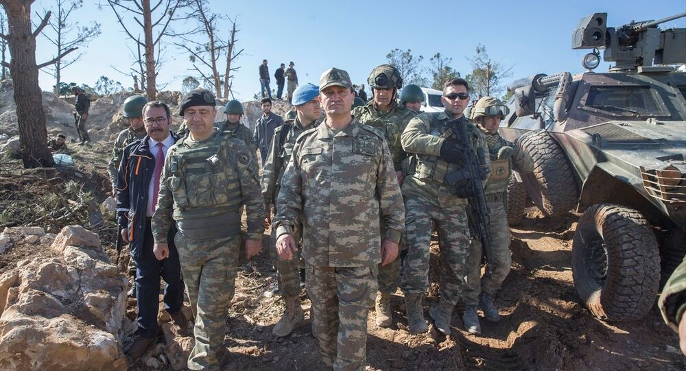İkinci Ordu Komutanı Korgeneral İsmail Metin Temel, Burseya Dağı'nda incelemelerde bulundu.