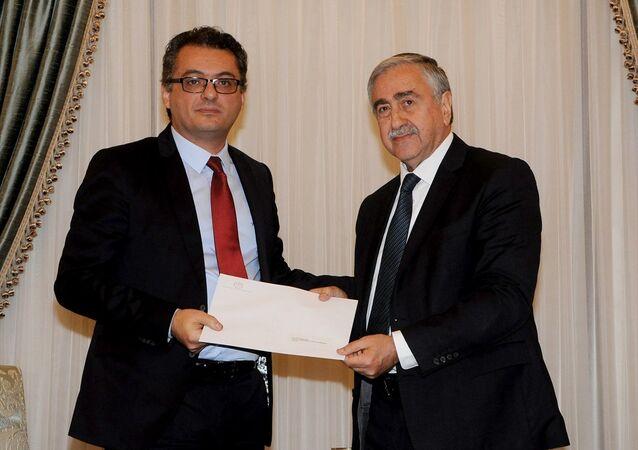 Kuzey Kıbrıs lideri Mustafa Akıncı, Cumhuriyetçi Türk Partisi (CTP) Genel Başkanı Tufan Erhürman'ı hükümeti kurmakla görevlendirdi.