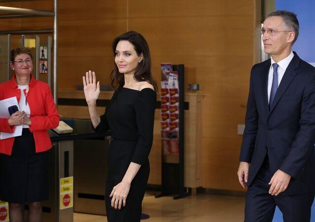 Jens Stoltenberg - Angelina Jolie