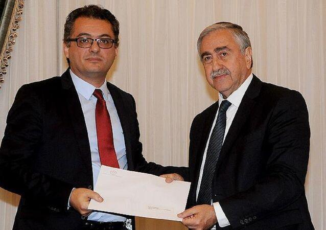 Kuzey Kıbrıs Cumhurbaşkanı Mustaf Akıncı ve yeni Başbakan CTP Lefkoşa Milletvekili Tufan Erhürman