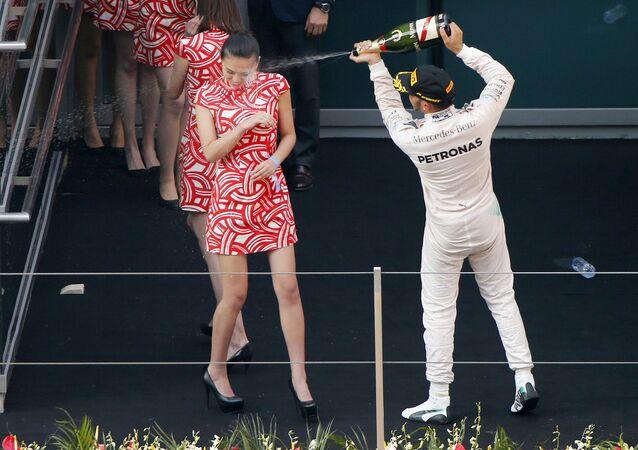 Formula One Lewis Hamilton grid kızları