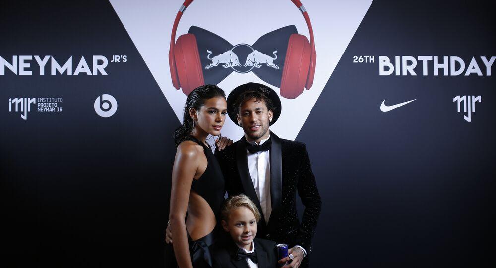 Neymar Jr. Bruna Marquezine Davi Lucca da Silva Santos