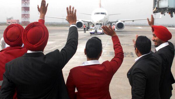 Hindistan'daki havayollarından Spice Jet Amritsar'dan Dubai'ye ilk doğrudan uçuş - Sputnik Türkiye