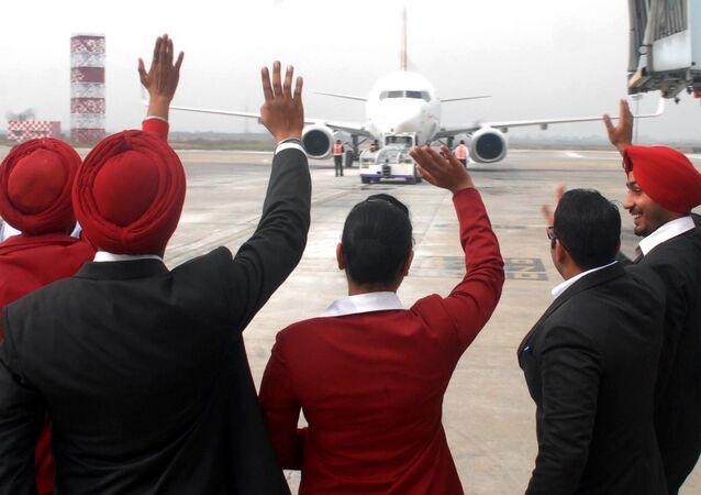 Hindistan'daki havayollarından Spice Jet Amritsar'dan Dubai'ye ilk doğrudan uçuş