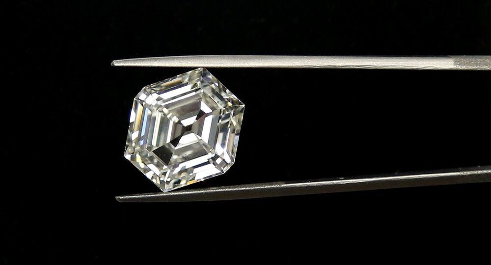 Antwerp 9.67 karat elmas