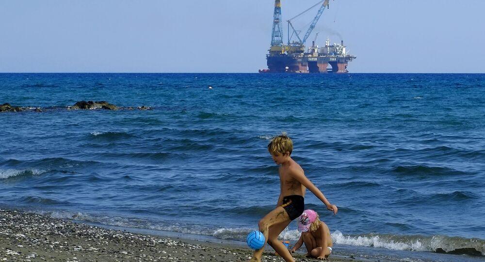 Kıbrıs-Sondaj kulesi