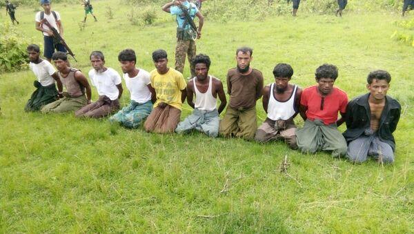 Myanmar Arakan eylaeti Inn Din köyü Müslüman katliamı Reuters araştırmacı gazetecilik - Sputnik Türkiye