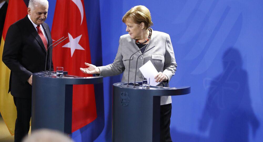 Almanya Başbakanı Angela Merkel ile Başbakan Binali Yıldırım ortak basın toplantısında.