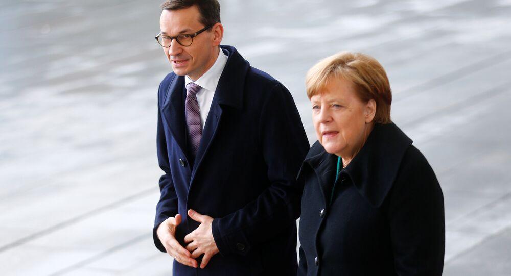 Polonya Başbakanı Mateusz Morawiecki ve Almanya Başbakanı Angela Merkel