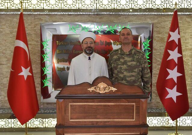 Diyanet İşleri Başkanı Erbaş'tan harekat merkezine ziyaret