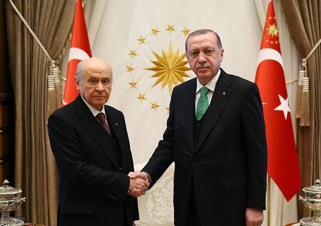Cumhurbaşkanı Recep Tayyip Erdoğan, MHP Genel Başkanı Devlet Bahçeli'yi kabul etti.