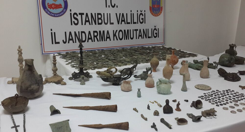 İstanbul'da yüzlerce tarihi eser ele geçirildi