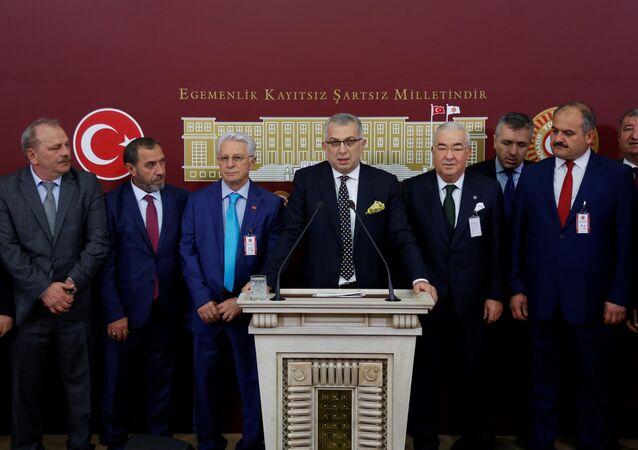 AK Partili Metin Külünk