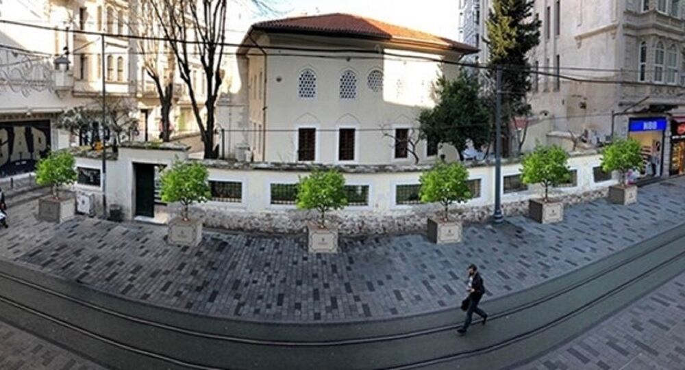 İBB, İstiklal Caddesi'ne saksı yerleştirecek