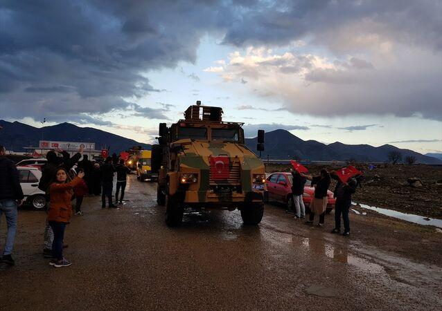 JÖH ve PÖH ekipleri, İslahiye ilçesinde kurulan İçişleri Bakanlığı Müşterek Görev Merkezinden yola çıktı.