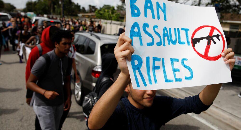 ABD Florida öğrenciler silah karşıtı protesto