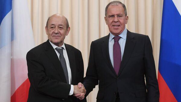 Rusya Dışişleri Bakanı Sergey Lavrov-Fransa Dışişleri Bakanı Jean-Yves Le Drian - Sputnik Türkiye