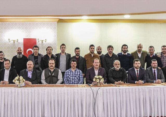 Sporcular ve ünlü isimler, Afrin'e destek için sınıra gitti