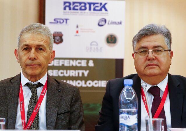 Rusya'nın başkenti Moskova'da güvenlik, savunma ve terörle mücadele alanlarında Türkiye ve Rusya arasındaki iş birliği olanakları ele alındı. REBTEK Yönetim Kurulu Başkanı Erdoğan Gündüzpolat (solda) ve Türkiye'nin Moskova Büyükelçisi Hüseyin Diriöz (sağda) foruma katıldı.