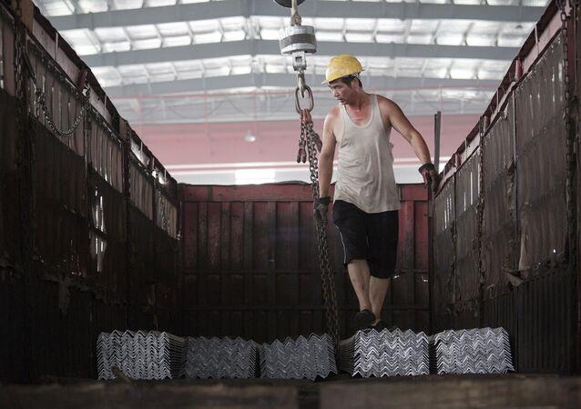 Çinli çelik işçisi