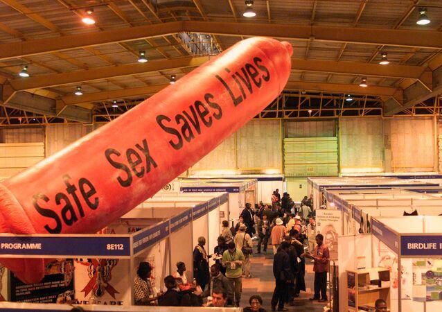 Güney Afrika Johannesburg 2002 Sürdürülebilir Kalkınma Zirvesi HIV/AIDS dev prezervatif