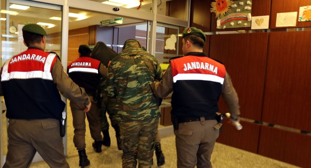 Sınırı geçen 2 Yunan askeri