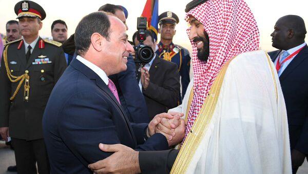 Mısır Cumhurbaşkanı Abdülfettah Sisi- Suudi Veliaht Prens Muhammed bin Selman - Sputnik Türkiye