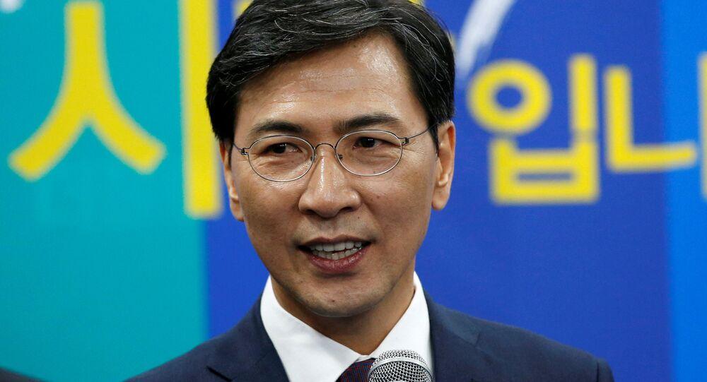 Güney Chungcheong Valisi Ahn Hee-jung