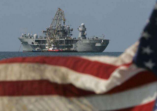 ABD Deniz Kuvvetleri 6. Filo bayrak gemisi USS Mount Whitney Akdeniz