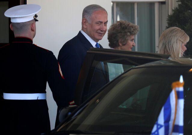 İsrail Başbakanı Benyamin Netanyahu eşi Sara Netanyahu Beyaz Saray'dan çıkış Washington 5 Mart 2018