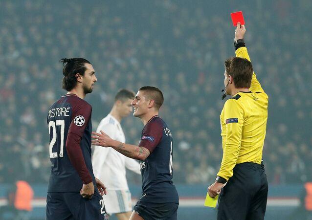 Şampiyonlar Ligi, son 16, ikinci maç, Paris St Germain vs Real Madrid, Marco Verratti kırmızı kart hakem Felix Brych, Parc des Princes, Paris, 6 Mart 2018