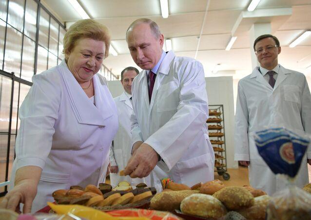 Vladimir Putin Samara fırın kadın girişimciler 7 Mart 2018