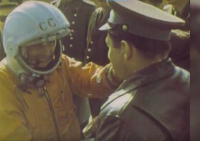 Gagarin'in doğum günü kutlanıyor