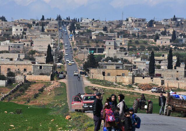Afrin'den kaçmak zorunda kalan siviller
