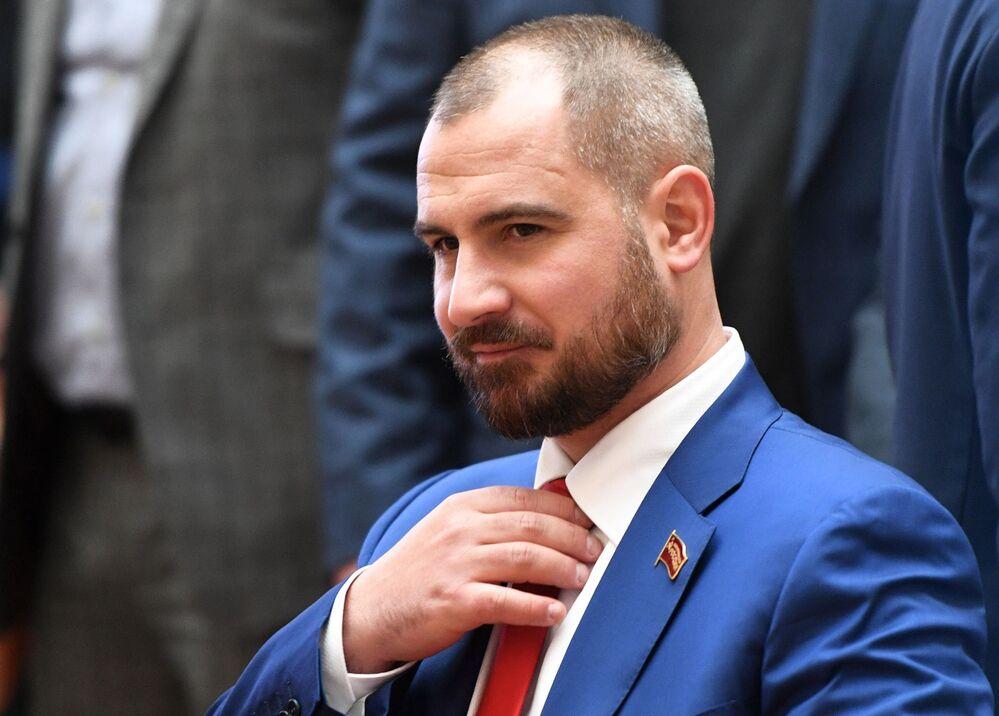 Rusya devlet başkanı adayı Maksim Suraykin