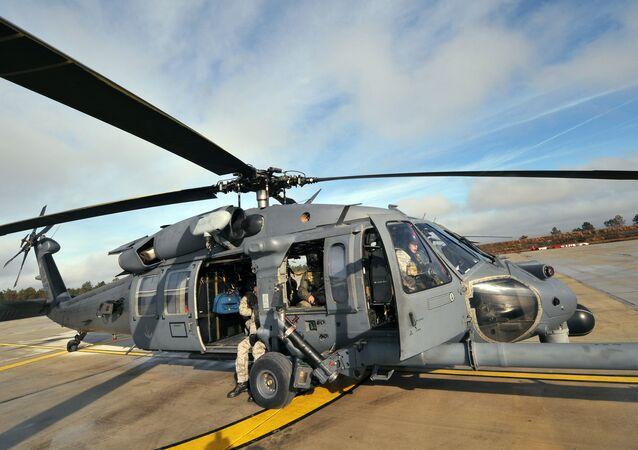 ABD ordusuna ait HH-60 tipi askeri nakil helikopteri