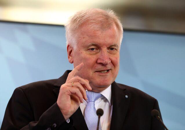 Almanya İçişleri, Bayındırlık ve Yurt Bakanı Horst Seehofer