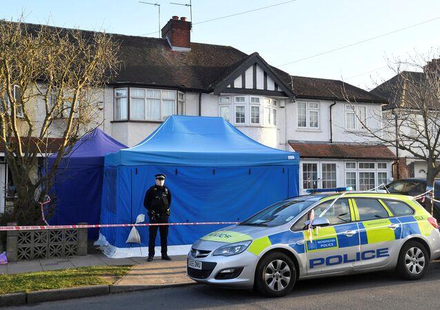 Aeroflot'un eski CEO'su Nikolai Gluşkov 12 Mart'ta Londra'nın güneyindeki New Malden banliyösündeki evinde ölü bulundu. Gluşkov'un (68) boğularak öldürüldüğüne dair kanıtlar üzerinden cinayet soruşturması yürütülüyor.