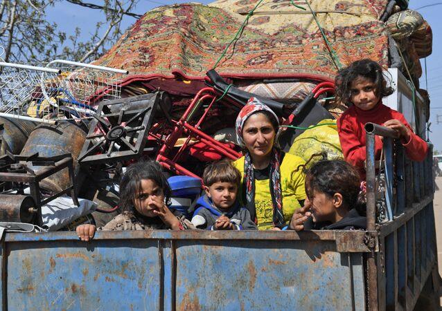 Afrin Ziyarah köyünden kaçan siviller 19 Mart 2018