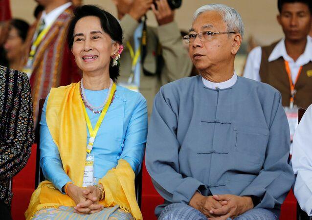 Myanmar Devlet Danışmanı Aung San Suu Kyi ve Devlet Başkanı Htin Kyaw