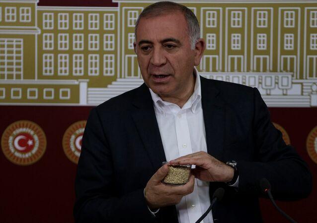 CHP İstanbul Milletvekili Gürsel Tekin