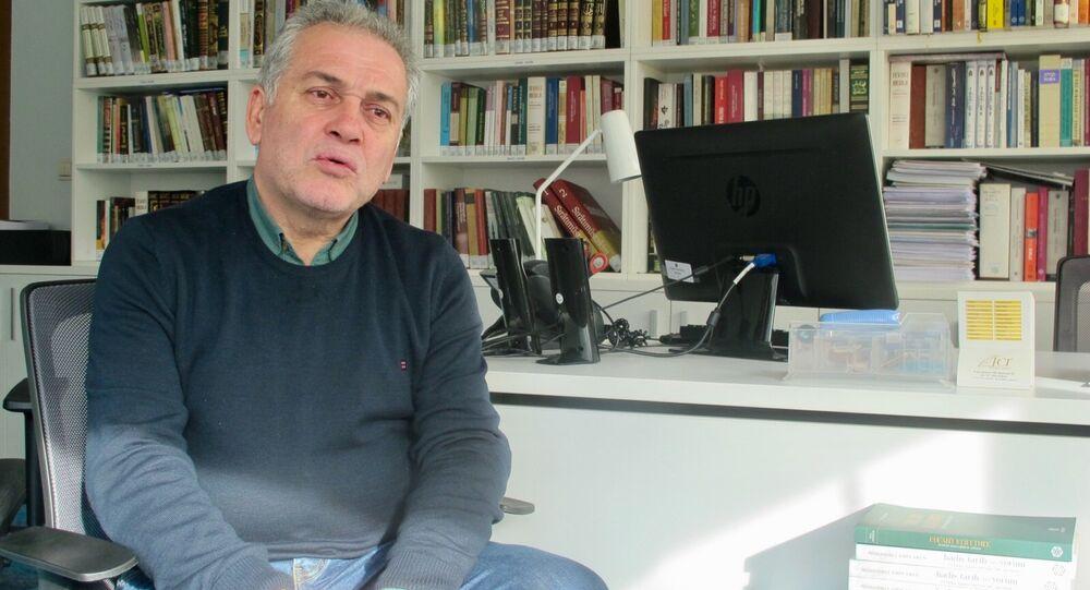Marmara Üniversitesi İlahiyat Fakültesi Profesörü Mustafa Öztürk