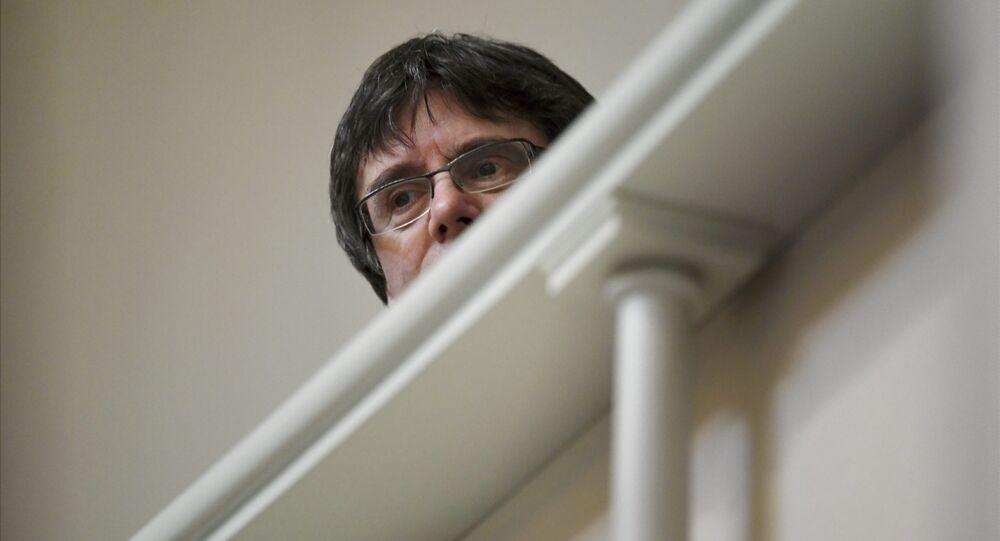 Eski Katalonya Özerk Yönetimi Başkanı Carles Puigdemont